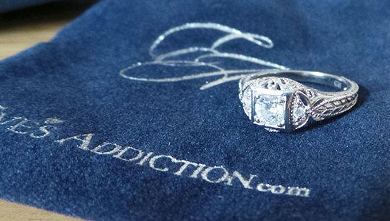 Eve's Addiction Ring