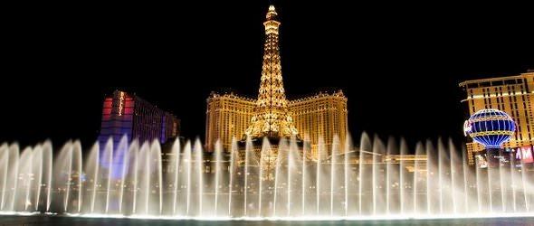 Paris Las Vegas Lit up