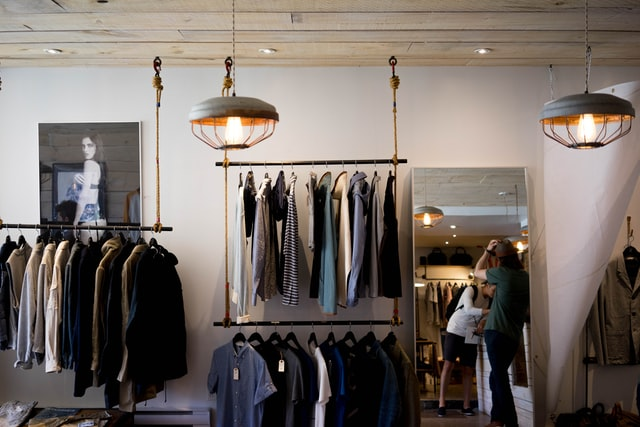 Kleidung am Black Friday günstig shoppen